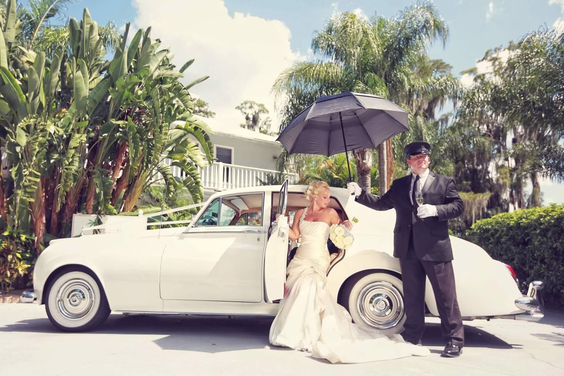 VIP Wedding Transportation - Image provided by: CastaldoStudio.com