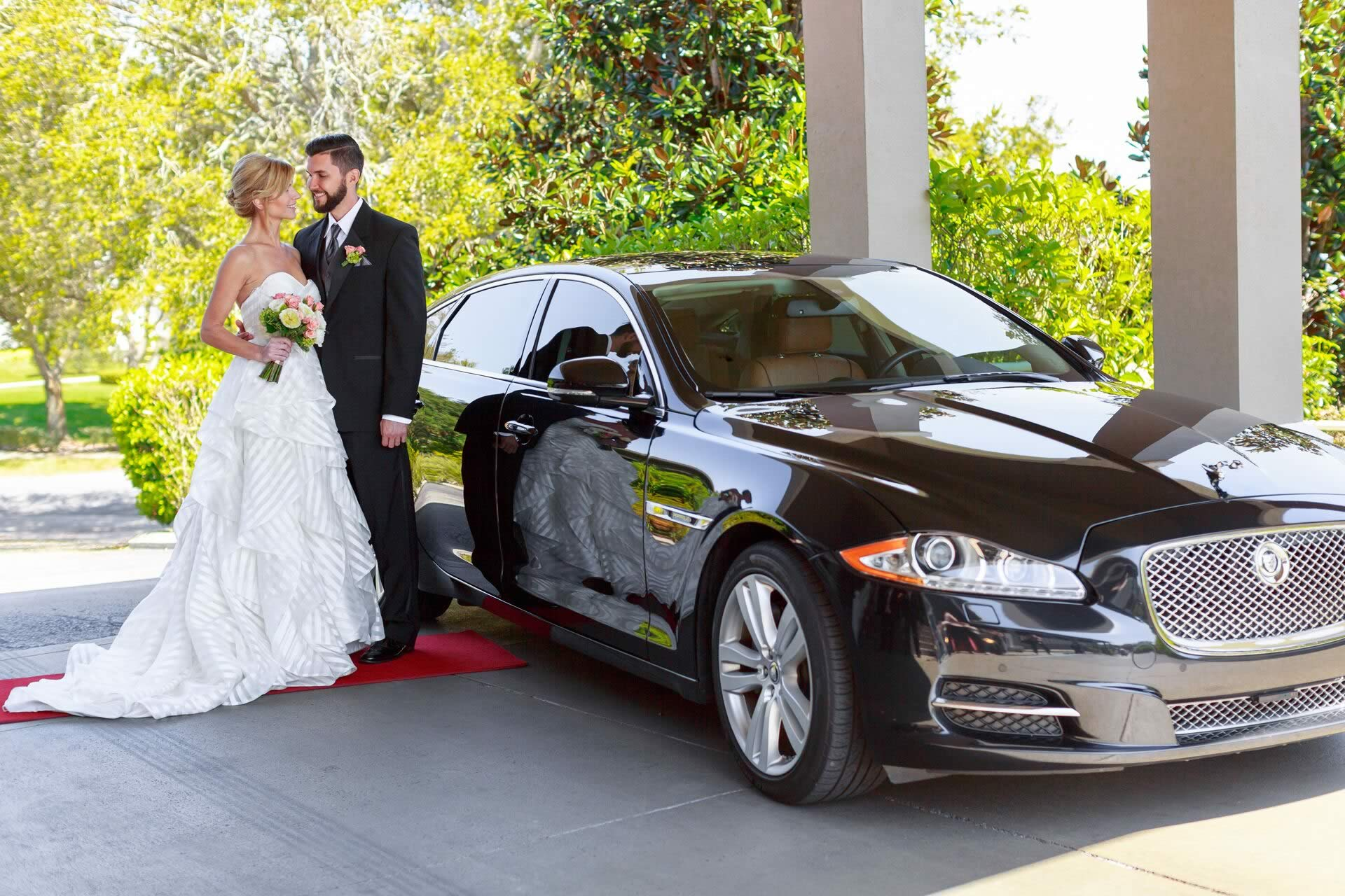VIP Wedding Transportation - Image provided by: VictoriaAngela.com