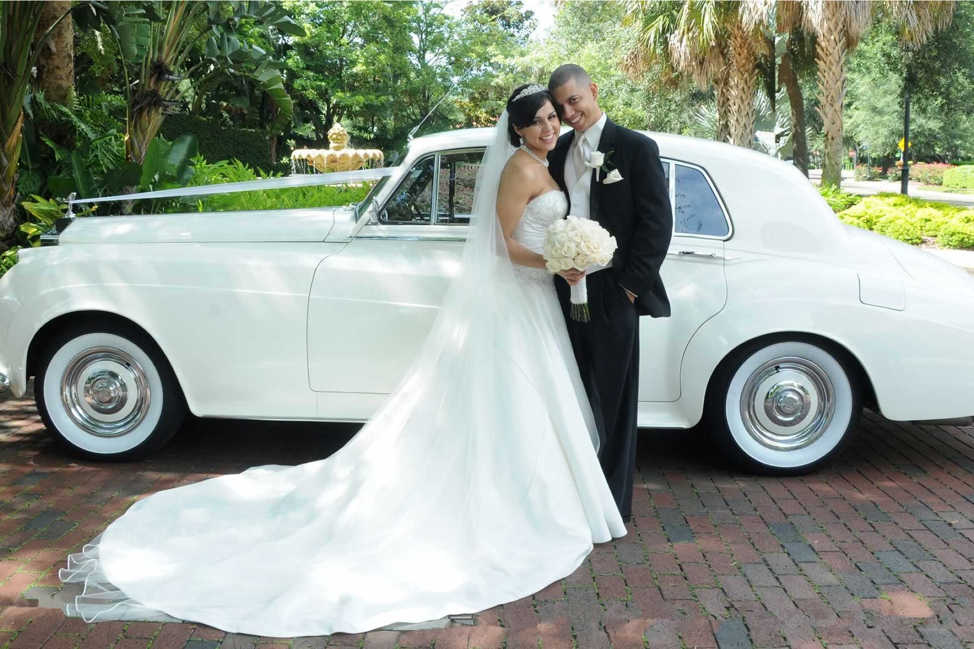 Vip Wedding Transportation - Image provided by: MistyMiotto.com
