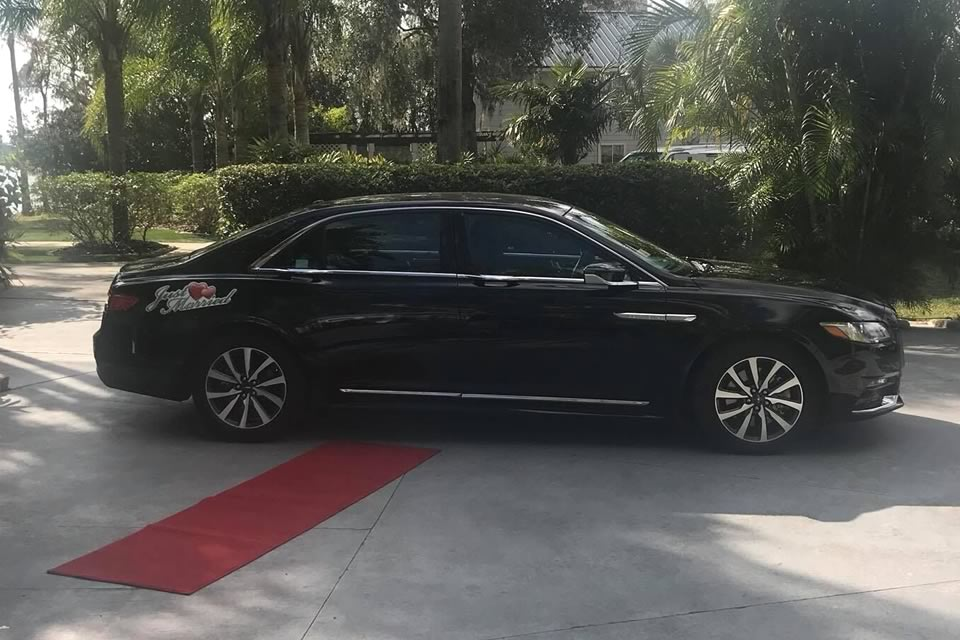 Luxury Sedans - VIP Wedding Transportation